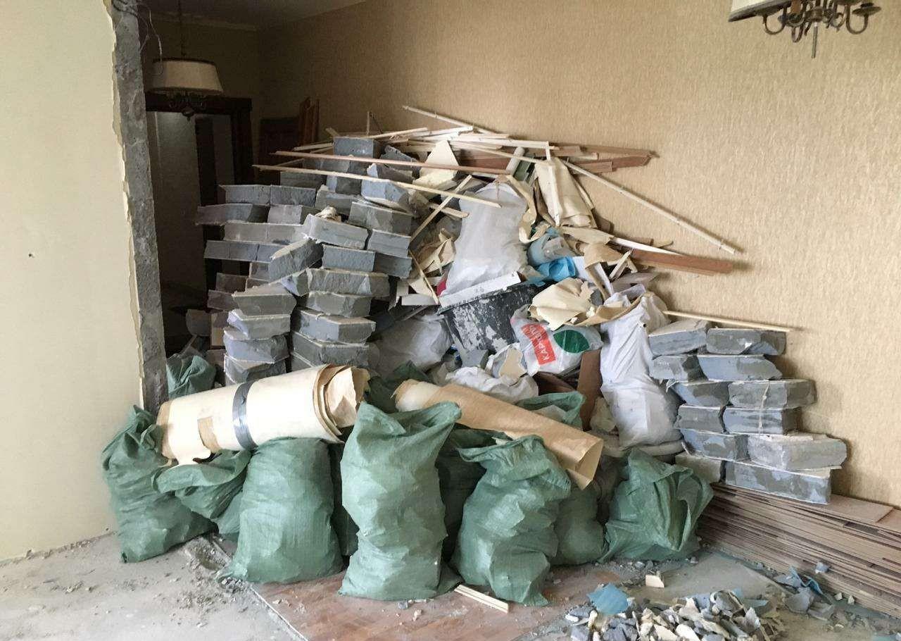 Вывоз строительного мусора,хлама из квартир, домов оказываем услуги