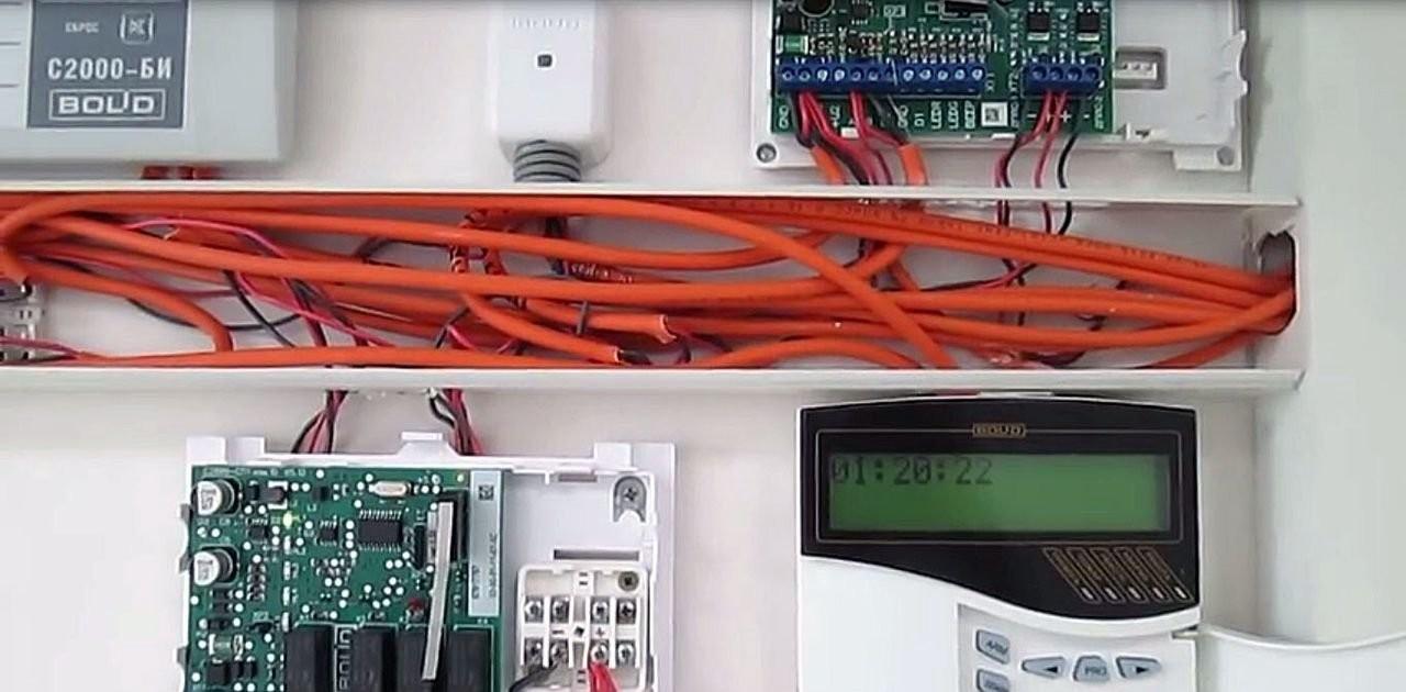 Монтаж охранна-пожарной сигнализации оказываем услуги